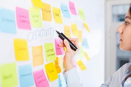 Proponer proyectos de intervención basados en los resultados la investigación para mejorar el acceso al empleo de las mujeres.